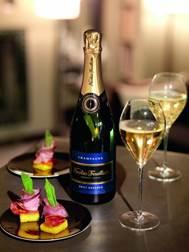 Champagne Nicolas Feuillatte Brut Réserve NV是品牌最暢銷的香檳,結構豐盈,果味濃郁,細緻優雅,與煙三文魚、香煎大蝦、乳鴿及蘋果批配搭尤其得宜