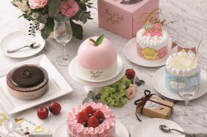 美心西餅以風靡一時的水晶蘋果作藍本,特別精心炮製夢幻又迷人的The Pink Apple法國焦糖蘋果果醬蛋糕。